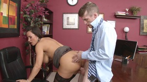 Big Tits at Work: Bubble butt Lisa Ann missionary sucking dick