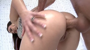 BigWetButts.com: American Holly West gagging