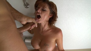 MILFsLikeItBig: Bald Joslyn James ballet ass licking